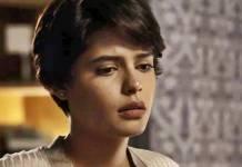 O Outro Lado do Paraíso: Adriana descobrirá segredo de Clara (Reprodução/TV Globo)