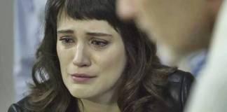 O Outro Lado do Paraiso - Clara chora (Reprodução/TV Globo)