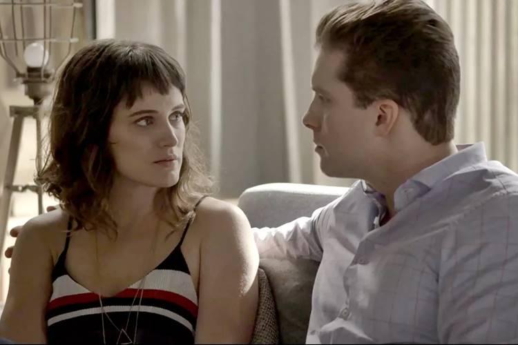 O Outro Lado do Paraíso: Patrick sente ciúmes de Clara com Gael