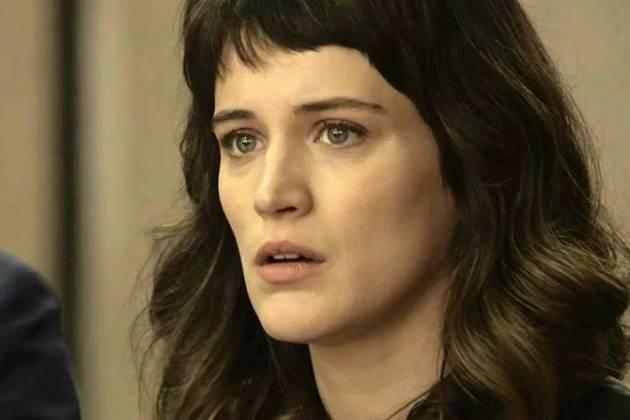 O Outro Lado do Paraíso: Clara se desespera com andamento do processo (Reprodução/TV Globo)