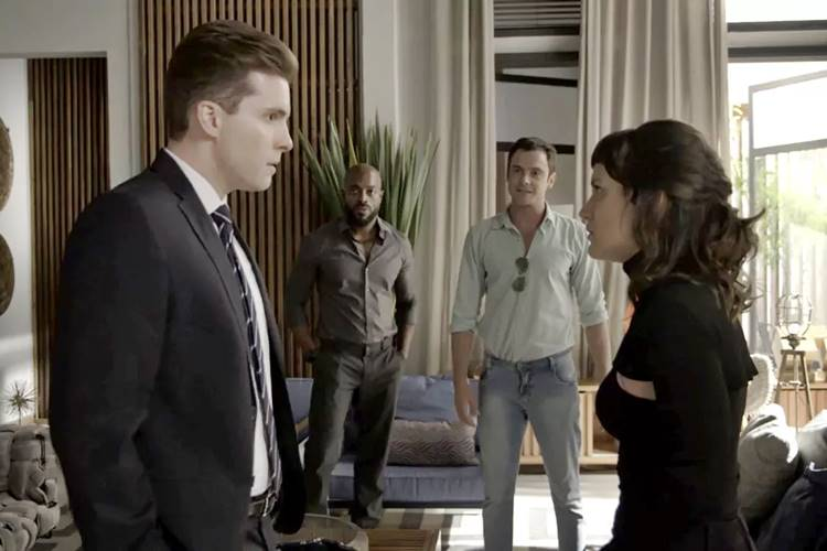 O Outro Lado do Paraíso: Patrick se entristece ao ver Clara e Gael juntos
