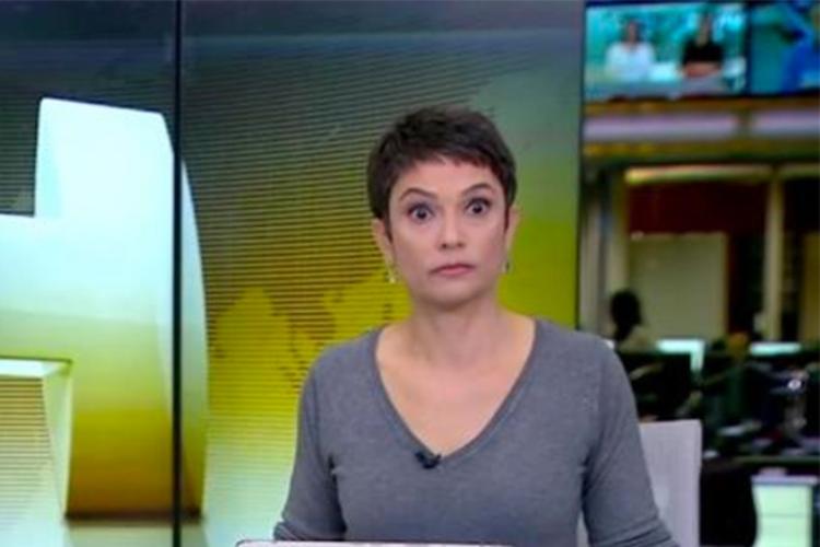 Sandra Annenberg comete gafe e chama Temer de 'ex-presidente'