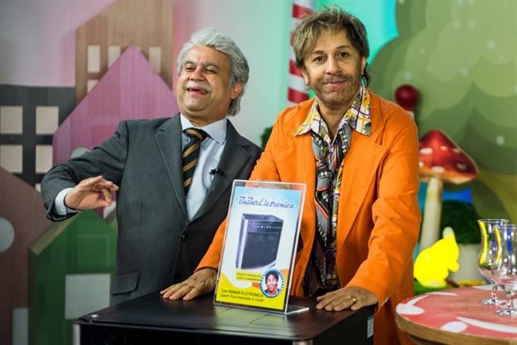 Tom Cavalcante participa do último episódio da temporada de 'Tá no Ar'