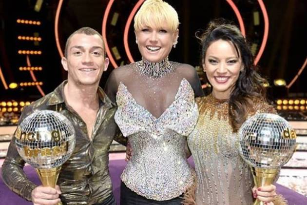Xuxa com Geovana Tominaga e Lucas (Blad Meneghel)