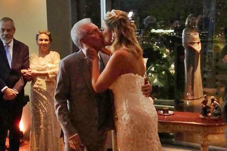 Carlos Alberto de Nóbrega se casa em cerimônia religiosa – Confira fotos e vídeos!