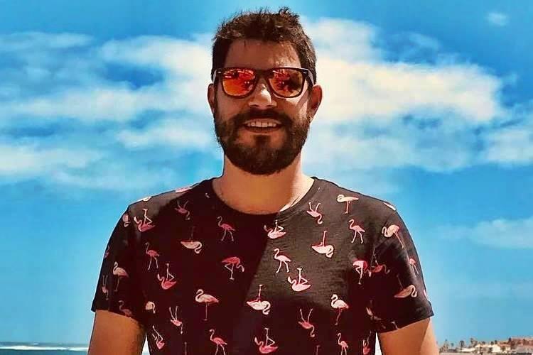 Evaristo Costa diz que prefere lavar louça a voltar para Globo