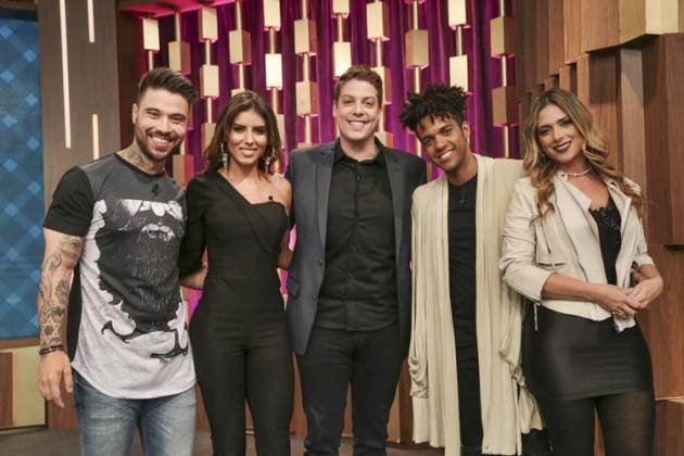Fabio Porchat recebe eliminados do Power Couple (Antonio Chahestian/Record TV)