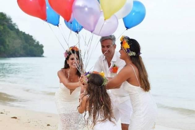Flavia Alessandra e Otaviano Costa com as filhas/Instagram