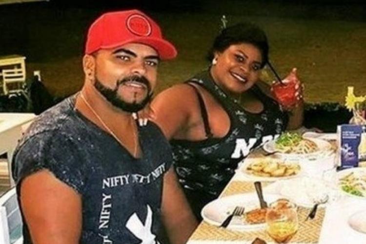 Jojo Todynho tem jantar romântico com o namorado