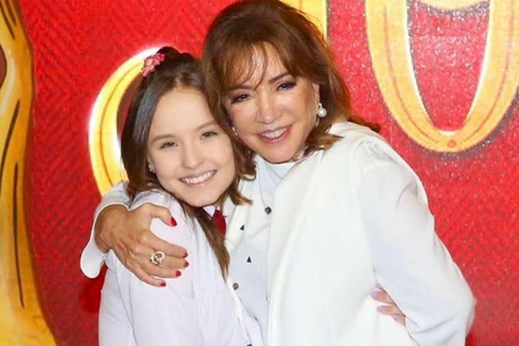 Larissa Manoela e Iris Abravanel/Instagram
