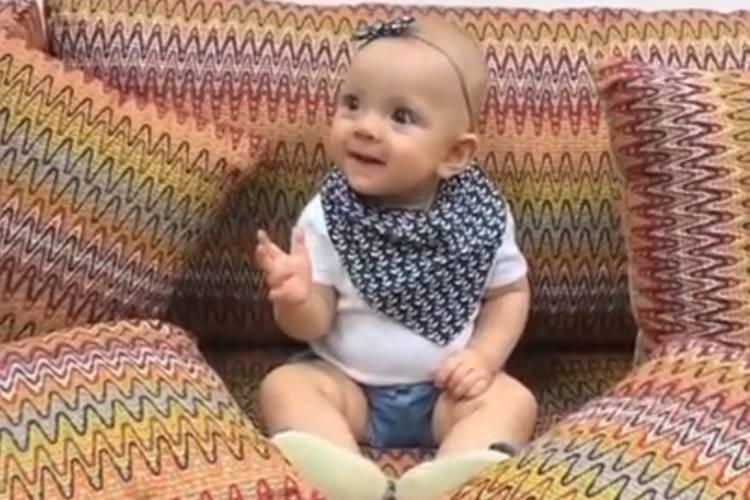 Eliana leva filha para o trabalho e faz vídeo fofo: ´Pacotinho´