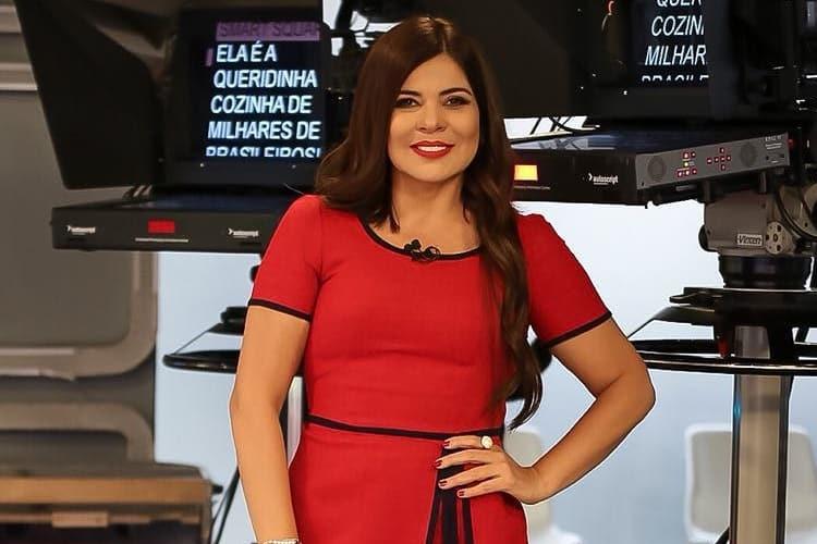 Mara Maravilha participa de entrevista e diz acreditar em 'ex-gay'