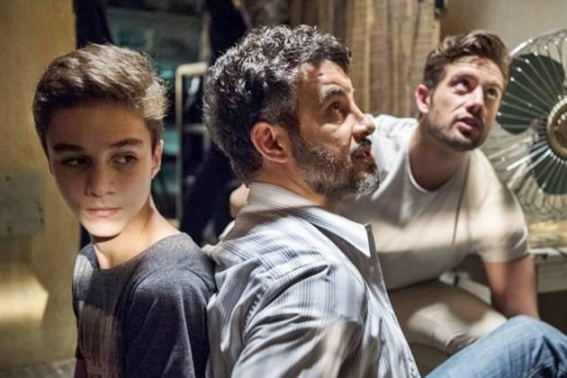 O Outro Lado do Paraiso - Renato sequestra Tomaz (Globo/Estevam Avellar)