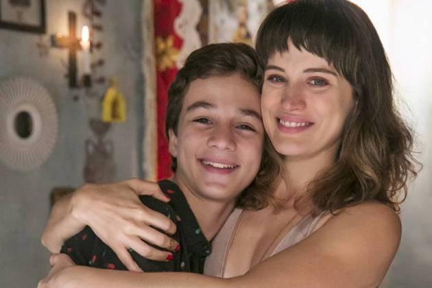 O Outro Lado do Paraiso - Tomaz chama Clara de mãe (Globo/Rafael Campos)