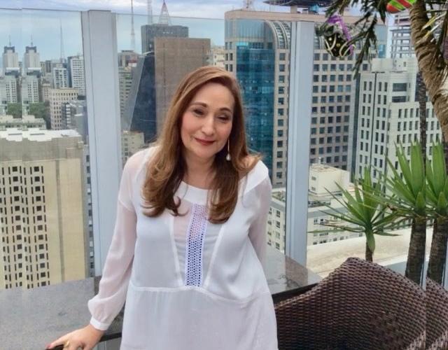 Repórter de Sônia Abrão é hostilizada em gravação – Saiba mais!