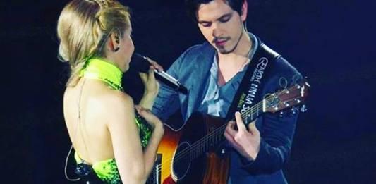 Yago tocando com Joelma/Instagram
