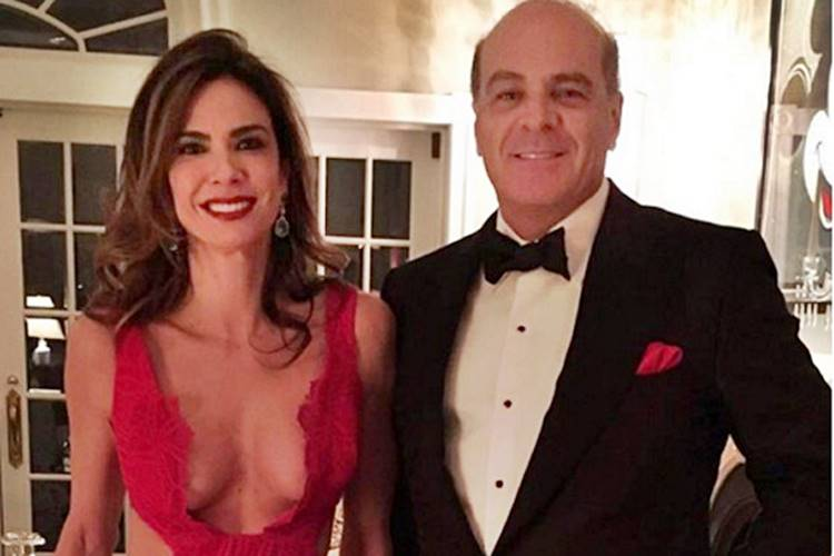 Luciana Gimenez diz que ainda mora com o ex-marido