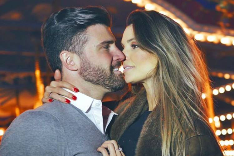 Flávia Viana comemora 8 meses de namoro e se declara