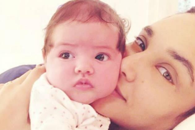 Débora Nascimento e a filha - Reprodução/Instagram