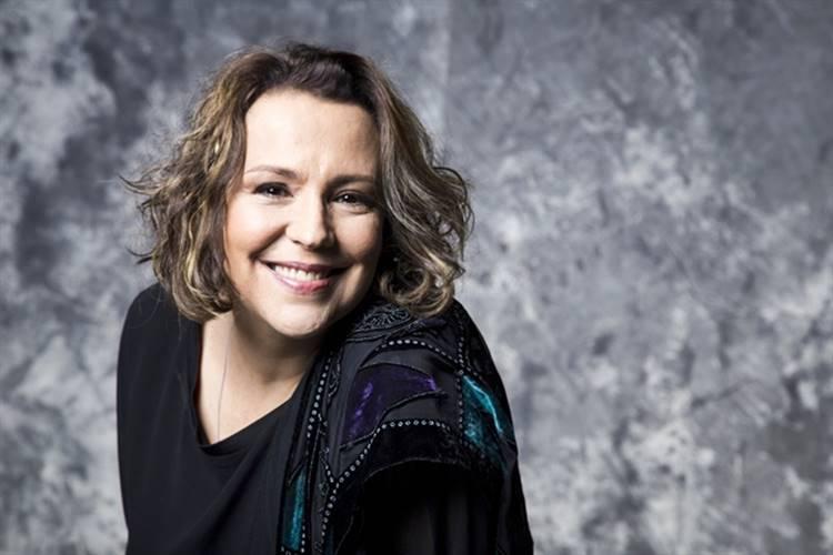 Ana Beatriz Nogueira salva festa de centenário do Retiro dos Artistas