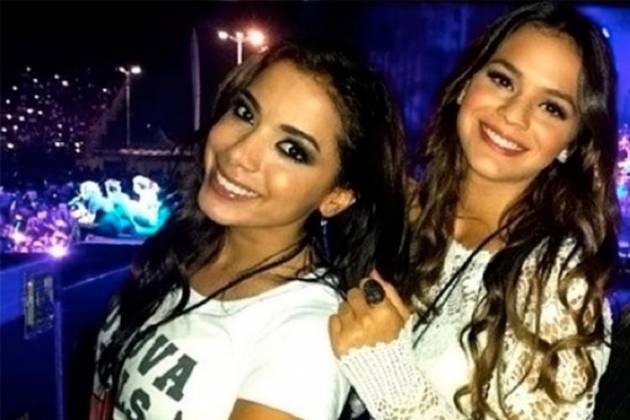 Anitta e Bruna Marquezine - Reprodução/Instagram