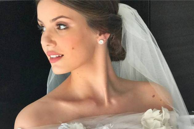 Camila Queiroz de noiva/Instagram