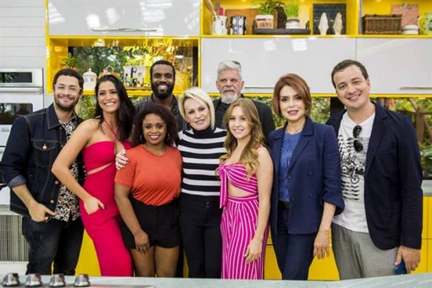 Elenco do SuperChef com Ana Maria Braga (Globo/João Cotta)