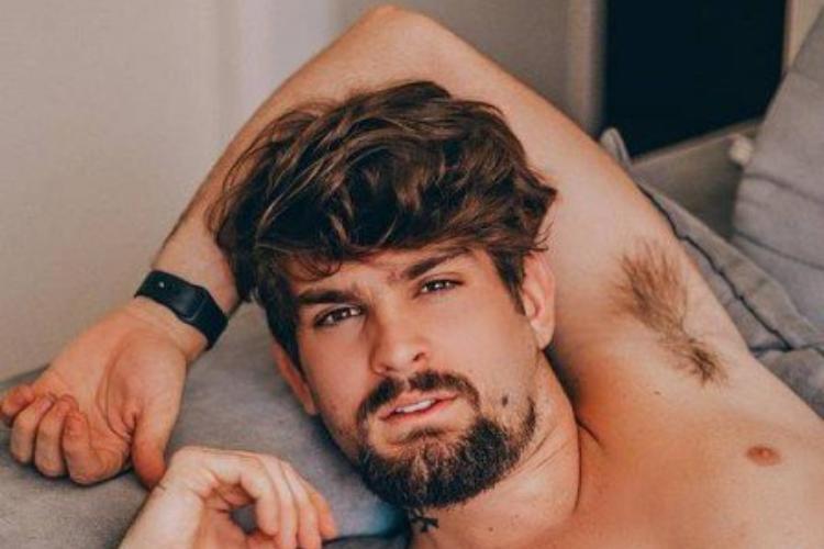 Com pinta de galã, filho do cantor Saulo Fernandes realiza ensaio sexy – Veja as fotos!