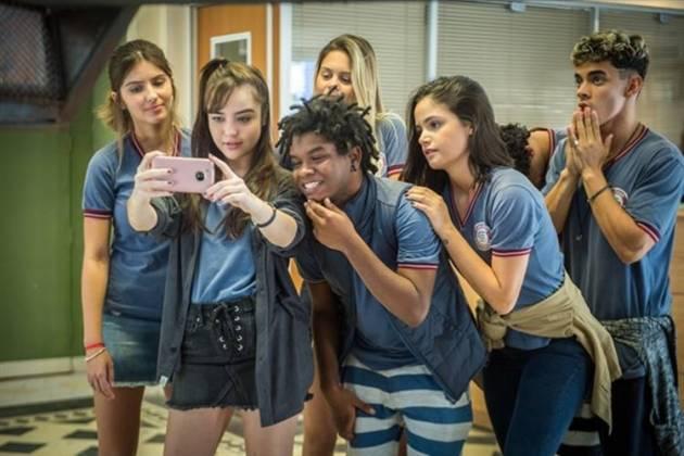 Malhação - Novos alunos chegam na Escola Sapiência (Globo/Raquel Cunha)