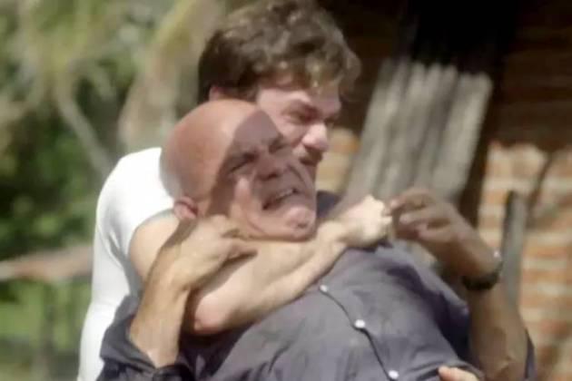 Segundo Sol - Beto impede Galdino de matar (Reprodução/TV Globo)