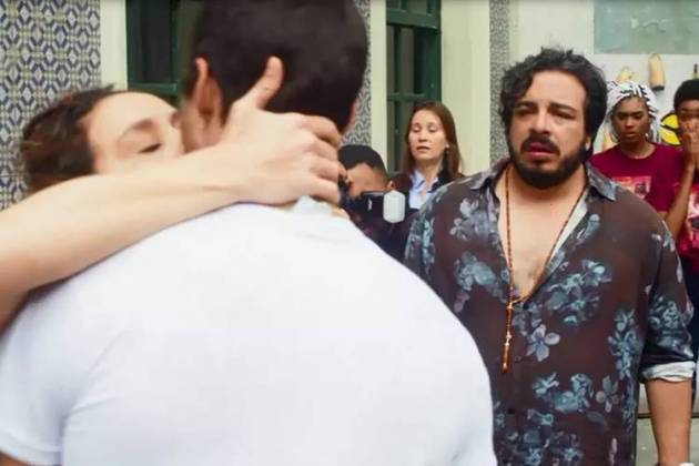Segundo Sol - Gorete beija Tomé (Reprodução/TV Globo)