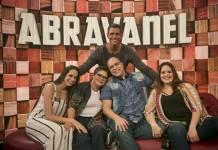Tamanho Família - Tiago Abravanel com a família (Globo / Raphael Dias)