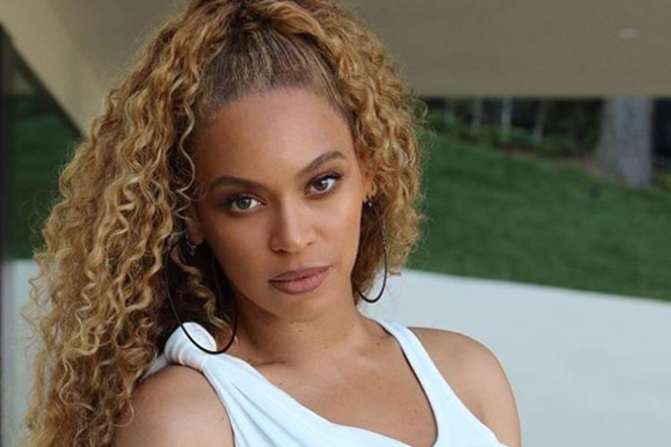 Beyoncé é acusada de praticar bruxaria e magia negra