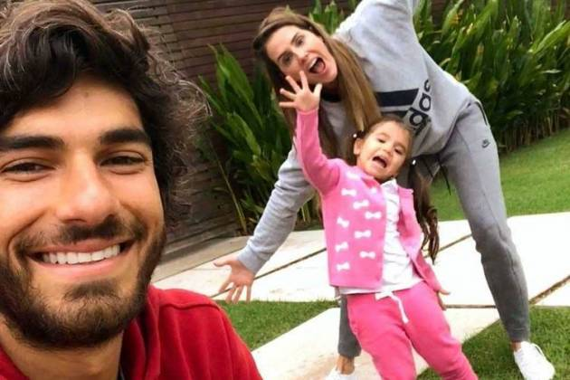 Deborah Secco e família