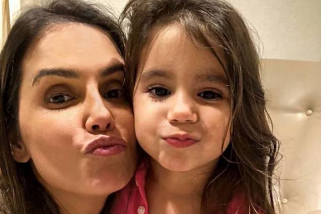 Deborah Secco e Maria Flor/Instagram
