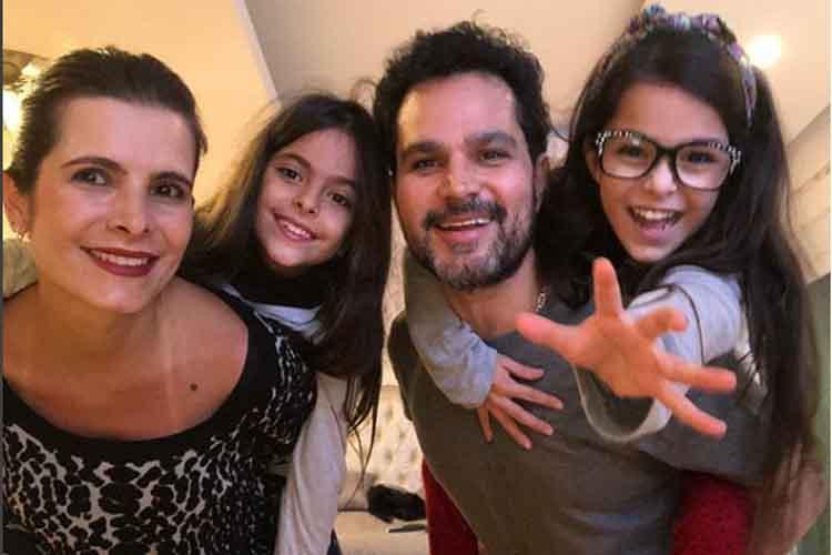 Flávia, esposa de Luciano Camargo, revela como o casal cuida das filhas