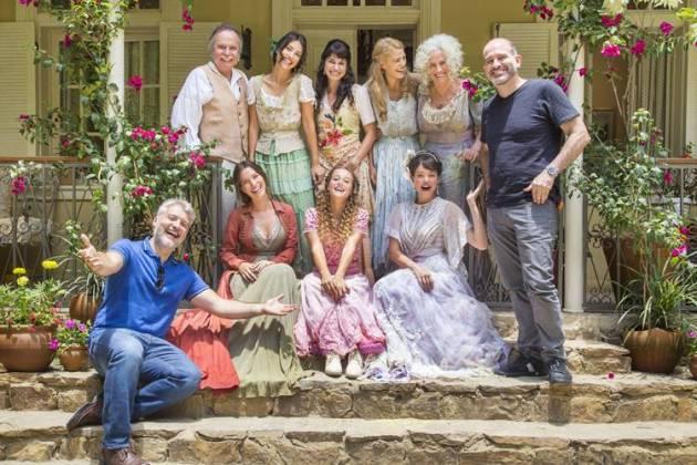 Orgulho e Paixão - Elenco com autor e diretor (Globo/Marília Cabral)