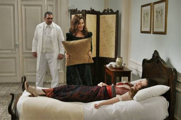 Orgulho e Paixão - Elisabeta sofre atentado   (Globo/Estevam Avellar)