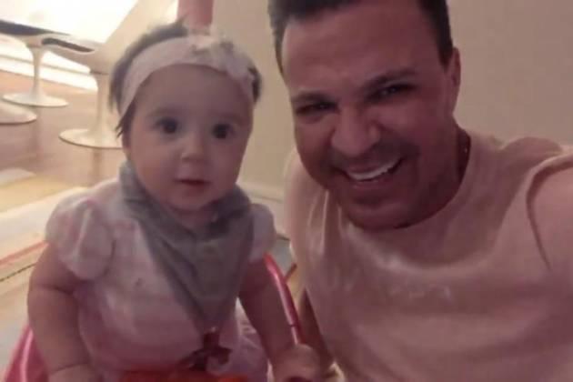 Cantor Eduardo Costa com a filha - Reprodução/Instagram