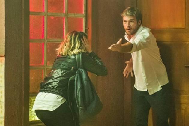 Segundo Sol - Beto confronta Luzia sobre o assassinato de Remy (Globo/Raquel Cunha)