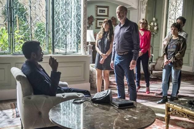 Segundo Sol - Roberval compra mansão (Globo/Raquel Cunha)