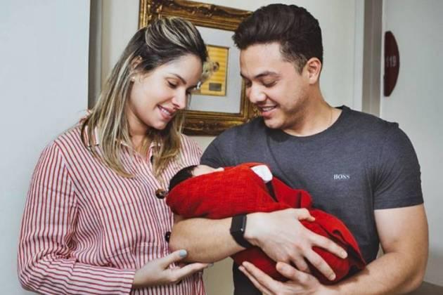 Thyane Dantas e Wesley Safadão com Dom/Instagram