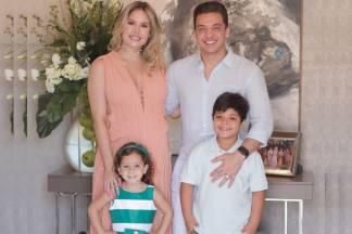 Wesley Safadão com os filhos e Thyane /Instagram