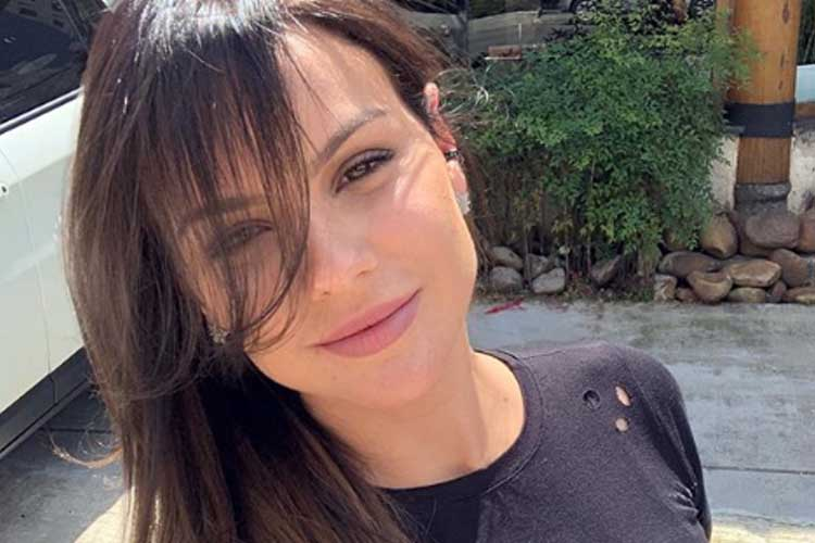 Ex-panicat diz que foi humilhada na TV e revela luta contra a depressão