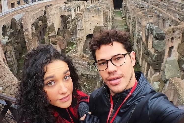 Débora Nascimento revela que José Loreto sente ciúmes em cenas picantes