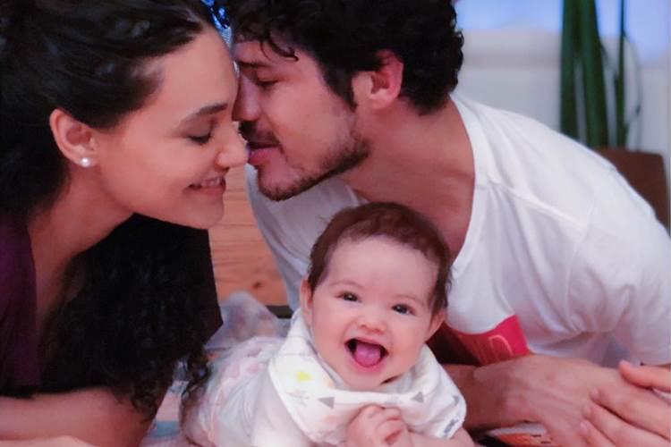 Débora Nascimento, José Loreto e Bella