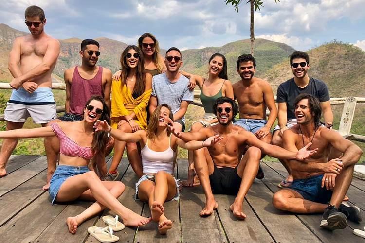 Atores de 'Orgulho e Paixão' curtem viagem de férias na Chapada dos Veadeiros