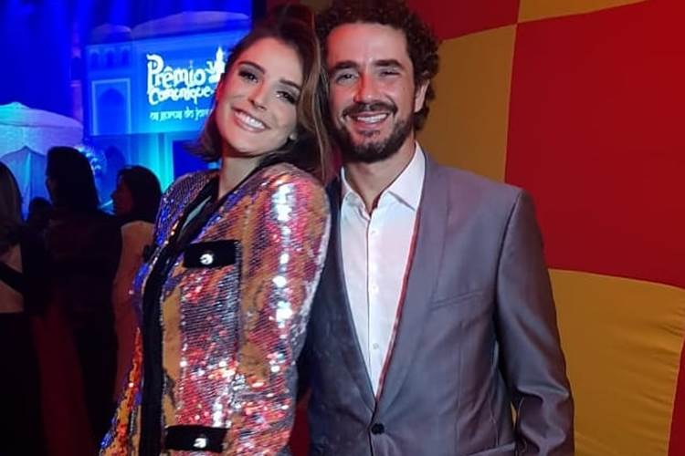 Rafa Brites completa 32 anos e ganha declaração do marido Felipe Andreoli