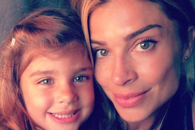 Grazi Massafera revela porque não expõe a filha nas redes sociais