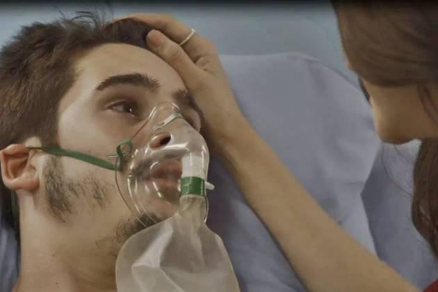 O Tempo Não Para - Samuca desperta (Reprodução/TV Globo)